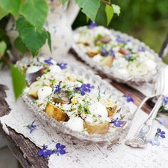 Matjessill – enkelt recept Swedish Traditions, Holiday Recipes, Camembert Cheese, Gluten, Sweden, Pictures