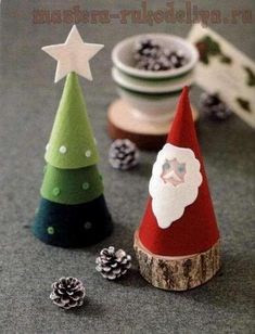 2015/08/16 Decorative Christmas tree and Santa Claus made of felt