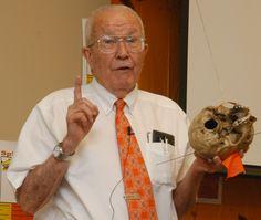 Body farm founder Bill Bass speaks at King Family Library