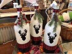 Painted Wine Bottles, Lighted Wine Bottles, Bling Bottles, Bottle Lights, Decorated Bottles, Christmas Wine Bottles, Glass Bottle Crafts, Diy Wine Bottle, Bottle Bottle