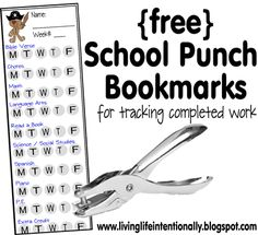 Free School Punch Bookmarks - Help homeschoolers organize day-to-day tasks. When your child is done with a subject (or task) they just punch the hole. Now you can see when things are done and it is fun to finish too! Home Learning, Early Learning, Homeschool Curriculum, Online Homeschooling, Home Schooling, Classroom Organization, Classroom Ideas, Classroom Management, Kids Education