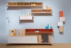 Nouveau système d'étagères 7FOR de Stefano Bettio pour Sculptures Jeux, présenté au salon de Milan 2017. Il est entièrement modulable et personnalisable, avec de nombreux coloris et dimensions.  #bibliotheque #nouveaute #salon #milan #2017 #dharma #sculpturesjeux