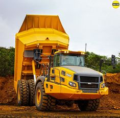 The articulated dump truck (ADT) market thinks so. The Equipment World Spec Guide reveals the rapid progression of ADT sizes. In the smallest ADT was the JCB 714 at Heavy Construction Equipment, Heavy Equipment, Dump Trucks, Big Trucks, Giant Truck, Welding Training, Heavy And Light, Heavy Duty Trucks, Mining Equipment