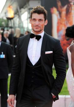 Men's Dinner Suits – Ditch the Traditional Tux
