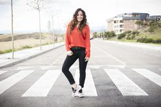 zapatillas adidas, look casual, blusa naranja, blog de moda, bloggera