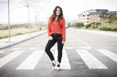 zapatillas adidas, look casual, blusa naranja, blog de moda, bloggera