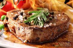 Receita de Filé mignon com chutney de especiarias  Fonte: Comida e Receitas - http://www.comidaereceitas.com.br/carnes/file-mignon-com-chutney-de-especiarias.html#ixzz3iwwnGHnb