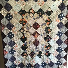 Inspired by #rosapomar 's beautiful around the world quilts. This was made almost entirely of #naniiro fat quarters that I bought from #alewives during a trip to Maine. #quilt #quilting #handmade #textiles #doublegauze