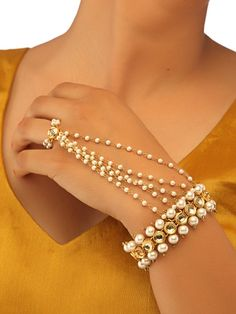 Soranam - The Classic Kundan and Pearl Haathphool