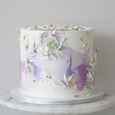 Lilac garden buttercream cake flower by soulcakes Buttercream Cake Designs, Buttercream Flowers, Buttercream Wedding Cake, Gorgeous Cakes, Pretty Cakes, Soul Cake, Watercolor Cake, Painted Cakes, Cake Decorating Techniques