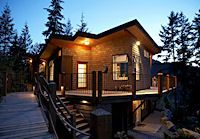 Moon Dance Perch and Moon Dance Cabin are secluded water view and waterfront retreats on the beautiful tidal basin of Oyster Bay, in Pender Harbour. Explore local trails, read a book or watch eagles and ravens fish at high tide. Travel just a few minutes to discover local artists' studios or find yourself at one of many freshwater lakes. At the end of a busy day retreat to the bedroom, and with your favorite music and candlelight, enjoy a soak in the tub for two, just steps from the bed!