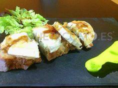 Tosta de queso de cabra y cebolla caramelizada   Restaurante tapería Taberna de Santos en A Coruña
