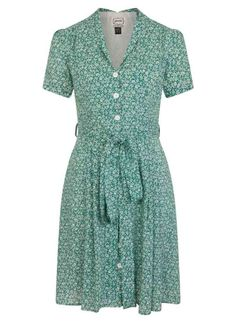 This stylish green floral tea dress is seriously charming with its button-through front, nostalgic print, slim collar detail and feminine tie belted waist. Swish through summer occasions and layer up when the weather gets cooler. Vintage Inspired Dresses, Vintage Dresses, Joanie Clothing, Floral Tea Dress, Dress Shapes, 1940s Fashion, Pretty Outfits, Fashion Beauty, Short Sleeve Dresses