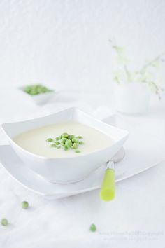 Krem szparagowy z mascarpone  i zielonym groszkiem - Asparagus cream with mascarpone and green peas (in polish)