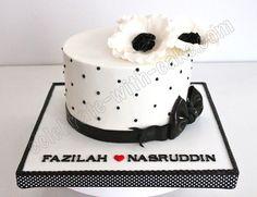 Celebrate with Cake!: Black and White Anemone Engagement Cake