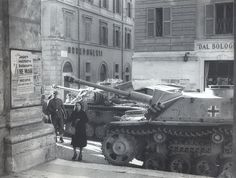 StuG III Ausf.G #1024 III. Abteilung, Pz.Regiment 2, 16. Pz.Division, Rome, Italy, Piazza del Popolo, 1943