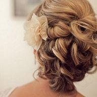#paulmitchell  Do add soft curls And a flower