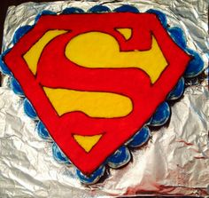 Superman cupcake cake!! Favorite so far that I have made!! All free hand! KH❤️