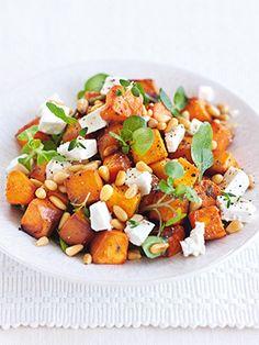 Рецепт «Салат из тыквы с фетой и кедровыми орешками» из книги «100 лучших салатов» Этот рецепт из раздела «Салаты». #recipe #salads #cookbooks #cookbooksru
