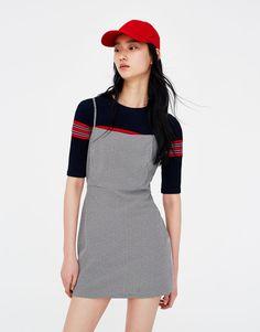Φόρεμα μίνι εφαρμοστό - Φορέματα - Ενδύματα - Γυναικεία - PULL&BEAR Ελλάδα