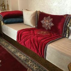 Decor Interior Design, Interior Decorating, Living Room Designs, Living Room Decor, Chill Room, Oriental Decor, Moroccan Decor, Modern Decor, Home Goods