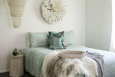 Interior Decoration Of Bedroom White Washed Floors, Three Birds Renovations, Bungalow Renovation, Minimalist Room, Thrifty Decor, Diy Bedroom Decor, Home Decor, Bedroom Ideas, Bedroom Beach