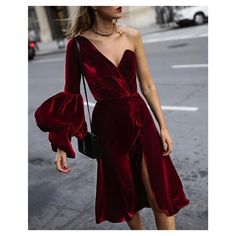 Red velvet asymmetrical dress, gold choker, red lips, black bow pumps and a blac. Fashion Moda, Womens Fashion, Winter Stil, Red Velvet Dress, Velvet Fashion, Chiffon Maxi Dress, Print Chiffon, Fashion Blogger Style, Elegant Outfit