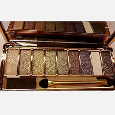 Sporthway® Women 9 Colors Waterproof Make UP Glitter Eyeshadow Palette with Brush (Color 3)  BUY NOW     $12.99    100% Brand New.    Case Material: Alloy    6 Types for your choice: Type1, Type2, Type3, Type4, Type5, Type6    Case Color: ..  http://www.beautyandluxuryforu.top/2017/03/06/sporthway-women-9-colors-waterproof-make-up-glitter-eyeshadow-palette-with-brush-color-3/