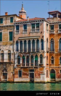 Venice – Building  #Beautiful #Places #Photography