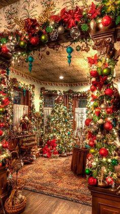 Christmas Decor Ideas - Happy Christmas - Noel 2020 ideas-Happy New Year-Christmas Christmas Interiors, Christmas Room, Christmas Scenes, Noel Christmas, Winter Christmas, Christmas Lights, Vintage Christmas, Christmas Wreaths, Victorian Christmas Decorations