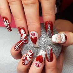 Beautiful Glitter Santa Claus Red Christmas Nails Festive and Bright Nail Art Ideas for Christmas 2019 – Pinlifestyle Cute Christmas Nails, Xmas Nails, Holiday Nails, Pink Nails, Christmas 2019, Glittery Nails, Glitter Nail Art, Red Glitter, Bright Nail Art