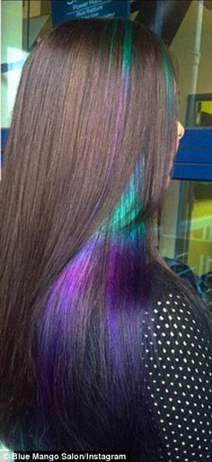 Oil Slick Hair ~ Much less bleach is required to lift dark hair enough that the tones will show up, so locks are left in much better condition Ombré Hair, Hair Dos, Looks Style, Looks Cool, New Hair Trends, Dream Hair, Crazy Hair, Purple Hair, Pastel Hair