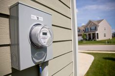 10 ways to save on your electric bill