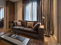 Kimada floor lamp black lacquered - Residential Project in Barcelona