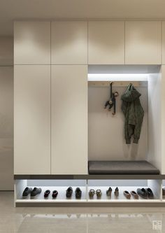 Entryway and Hallway Decorating Ideas eingang Stauraum Entryway Closet, Hallway Storage, Entryway Decor, Storage Spaces, Ikea Hallway, Shoe Storage, Closet Shelving, Storage Benches, Hallway Ideas