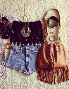 Hippie style- My niece has the perfect body for this Teen Fashion, Boho Fashion, Fashion Outfits, Womens Fashion, Fashion Beauty, Latest Fashion, Fashion Trends, Festival Mode, Festival Fashion