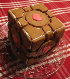 The Pandorica Gingerbread Cube. <--- I do believe this is a companion cube from portal which was viciously murdered by GLaDOS Companion Cube, Yummy Treats, Yummy Food, Tasty, Cookie Designs, Themed Cakes, Amazing Cakes, Favorite Recipes, Sweets