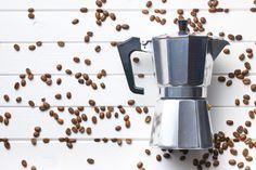 Cafeteira Bialetti - Toda essa dedicação e gosto fez com que os italianos se tornassem pioneiros na fabricação das máquinas de café. A partir daí, começaram a surgir cada vez mais empresas focadas na criação dos produtos, ampliando a fama da Itália ao redor do mundo inteiro.