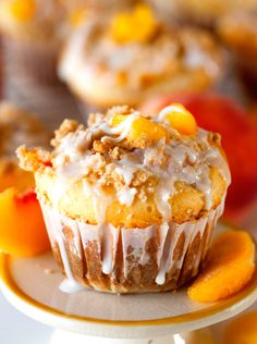 Looking for Fast & Easy Breakfast Recipes! Recipechart has over free recipes for you to browse. Find more recipes like Glazed Sweet Roll Peach Crumble Muffins. Delicious Desserts, Dessert Recipes, Yummy Food, Brunch Recipes, Breakfast Recipes, Brunch Menu, Fun Food, Dessert Ideas, Easy Desserts