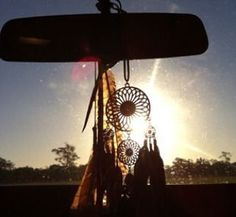 Hoy si hay atardecer.. ❤️ #dreamcatcher #sunset #boho #bohemian #instagood #love #light #lovely #sunny ##gypsy #freespirit #cool #ecomiscelaneas http://ift.tt/1KA0qE4
