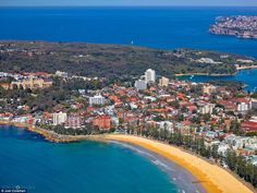 An amazing location in Sydney, Manly Beach forms the entrance to Sydney Harbour. The headland is mostly national park and features a few harbour beaches that are some of Sydney's finest secrets