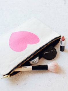 Makeup Bag | Bobbi Brown and MAC Cosmetics - would be better in black so it doesn't get dirty