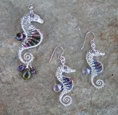http://i191.photobucket.com/albums/z213/pippijewelry/SeahorseSizeComparisonScaled.jpg