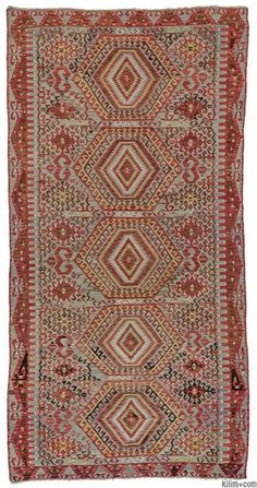 Vintage hand-woven Esme kilim rug around 60 years old and in very good condition. Esme is a very famous weaving village in Usak, Turkey.
