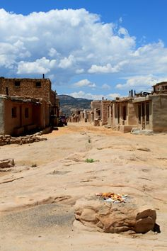 Acoma Pueblo, New Mexico. Road trip USA. Planning your road trip. Where to stop on a road trip. Road trip america.