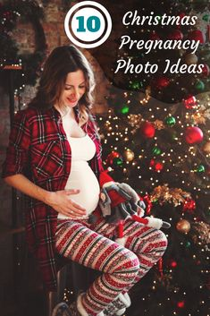 If you are expecting a baby this Christmas season then this is a unique opportunity to make some special photos: check these Christmas pregnancy photo ideas Maternity Poses, Maternity Pictures, Maternity Photography, Photography Poses, Christmas Pregnancy Photos, Christmas Pictures, Best Christmas Gifts, Christmas Baby, Christmas Ideas