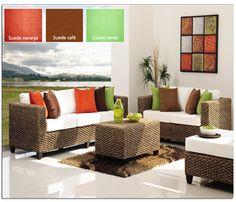 El suede es un material suave y muy fácil de manejar, además de que combina con todo por su variada cantidad de colores. ¡Todos los puedes encontrar aquí en Telas y Lonas Valdés!