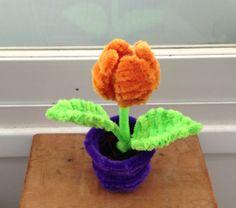 Pipe cleaner flower pot