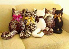 Almohadónes gatitos