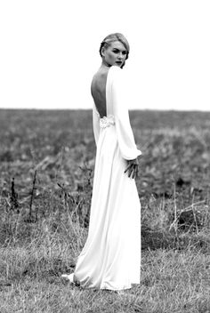 Long Sleeve Wedding Dress Long sleeve wedding gown with low back gives an effortlessly chic look. Agapan by Delphine Manivet. Available at Anna DaFonte, Sydney Lace Wedding Dress With Sleeves, Long Sleeve Wedding, One Shoulder Wedding Dress, Mode Inspiration, Wedding Inspiration, Fashion Inspiration, Fall Wedding, Dream Wedding, Perfect Wedding